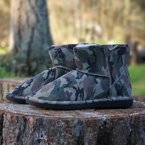 NWT Bearpaw Demi Boots